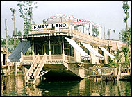 Fairy Land House Boat Kashmir Tours India