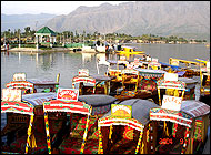 House Boats Kashmir Tour Packages India